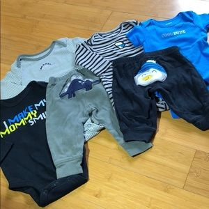 lot of Carter's bodysuits & lil character pants 3M